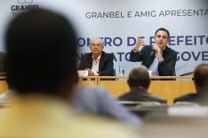 Rodrigo Pacheco conta com o apoio de dissidentes do MDB