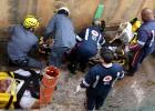 Gilberto catador de reciclável é socorrido pelo SAMU e Bombeiros após cair dentro do canal do Praia e ficar ferido