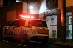 Casal de bandidos rendem funcionários do Point do Açaí no centro e roubam todo dinheiro