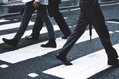 Pé na Faixa – Campanha incentiva uso da faixa de pedestre para reduzir acidentes