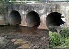 A Prefeitura de Catas Altas realizou este mês de agosto uma limpeza nos tubos de aço corrugado que ficam embaixo da ponte sobre o rio Maquine
