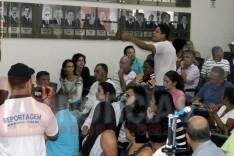 PM prende dois homens por desacato e por interromper reunião dos vereadores em Itabira