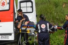 Homem é socorrido pelo SAMU depois de cair do cavalo na rodovia MG-129