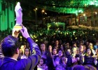 Carisma e descontração do padre Juarez de Castro cativa fiéis