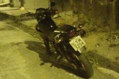 Denuncia ajuda Policia Militar a localizar moto Falcon roubada em Rua do bairro Amazonas