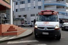 Taxista desentende com cliente entra em luta corporal e abandona casal no Major Lage em Itabira