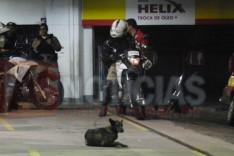 Bandidos usando Saveiro furtada assaltam posto de combustível no bairro Água Fresca
