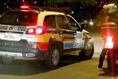Homem tem GM Celta tomado de assalto no loteamento Vale do Sol próximo ao bairro Praia