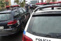 Força tarefa de retirada de veículos abandonados encontra moto roubada no bairro Juca Batista