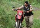 PM age rápido e recupera motocicleta furtada no bairro Bela Vista abandonada na área da Vale