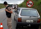 PM localiza e recupera Fiat Uno tomado de assalto no ultimo sábado na Estrada do Forninho