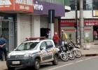 Bandidos em uma motocicleta prata mais uma vez assaltam a loja da Vivo no Centro de Itabira