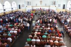Fiéis prestam últimas homenagens a padre Paulo Neves em João Monlevade