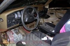 Condutor de Monza foge depois de colidir veiculo contra poste de iluminação no bairro Hamilton