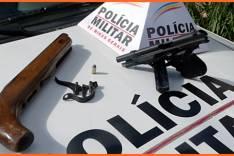 PM apreende menores com uma pistola 380 em Escola no bairro Santa Ruth em Itabira
