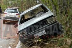 PM apreende veiculo abandonado depois de envolver em acidente e condutor não ser encontrado no bairro Conceição