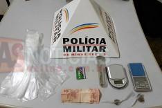 PM de Barão de Cocais prende suspeitos de trafico de drogas no bairro Irmãos Aleme