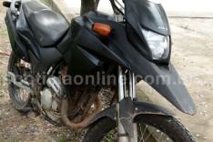Denuncia anônima ajuda PM a recuperar moto XRE-300 furtada abandonada no bairro Água Fresca