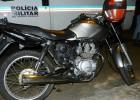 PM localiza motocicleta com chassi raspado após denuncia abandonada na Vila Piedade