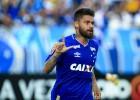 Cruzeiro vence fora de casa e avança na tabela do Brasileirão