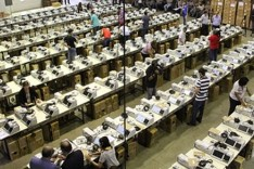 TRE realiza a carga das urnas para as Eleições 2018