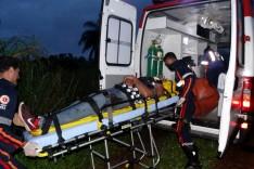 Três jovens de Ipoema ficaram feridos após capotamento em ribanceira na MG-434