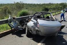 Cinco pessoas da mesma família morrem em acidente na BR-135 em Montes Claros