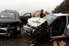 Acidente na Estrada eu liga Itabira a João Monlevade deixa cinco pessoas feridas no final de semana