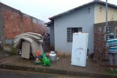 Moradora pede ajuda após perder quase tudo em incêndio no Planalto