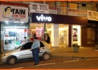 FRUSTRAÇÃO: Bandidos aproveitam de apagão em noite de Natal e arrombam loja, mas não levam nada e um é preso pela PM