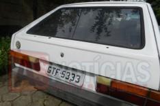 VW Gol cor branco foi localizado abandonado em Rua no bairro Eldorado