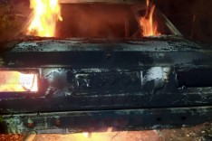 Mulher é presa e corpo é encontrado em porta-malas na MG-425 em Marliéria