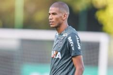 Galo segue treinando para enfrentar o Corinthians