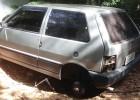 Policia Militar localiza e recupera Fiat Uno furtado no bairro Jardim das Oliveiras abandonado próximo a rampa do voo livre