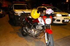 PM apreende adolescente e prende motociclista em uma tentativa de furto em loja no Centro de Itabira