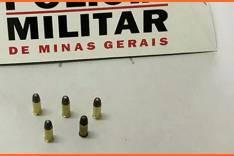 Polícia Militar prende um homem suspeito de porte ilegal de munição no bairro João XXIII