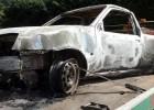 Policiais Rodoviários localizam caminhonete completamente queimada na Estrada de Nova Era