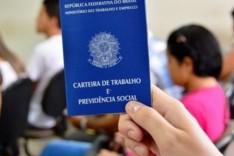 Primeiro emprego – Ronaldo Magalhães entrega Selo Aprendiz Social para empresários