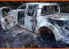 PM localiza caminhonete Frontier tomada de assalto completamente queimada em mata da Lagoa do Pontal
