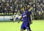 Cruzeiro vence o Tombense de virada e lidera o Campeonato Mineiro