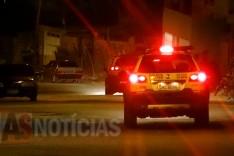 Casal é rendido por bandidos armados quando chegavam em casa nesta madrugada no Jardim das Oliveiras