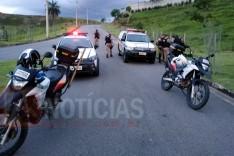 Ação rápida em perseguição PM prende dois e apreende menores com drogas no bairro Buritis em Itabira