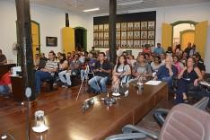 Apelo popular marca reunião pública sobre barragens de mineração na câmara de Nova Era