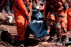 Bombeiros encontram corpo mais de oito meses após desastre
