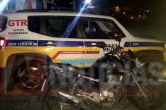 Rodoviários do GTR prendeu um homem com uma motocicleta furtada e clonada no bairro Chapada em Itabira