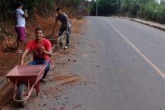 Moradores e o Projeto Cabeça Feita cansados de esperar pelo poder publico realizam ações em prol de dois bairros