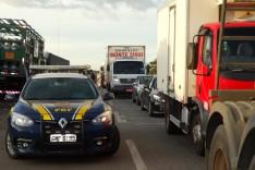Polícia escolta caminhoneiros em João Monlevade e movimento se dispersa