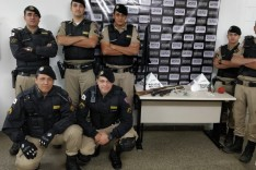 Menores são apreendidos com armas de fogo e drogas no Bairro Nova Monlevade